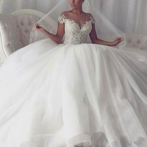 Dresses & Skirts - wedding ball gown